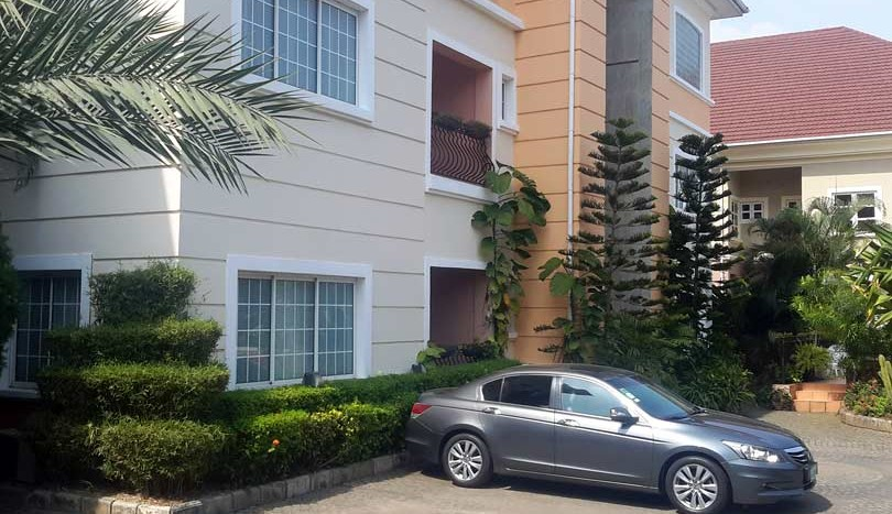 3 Bedroom service flat with one Room BQ